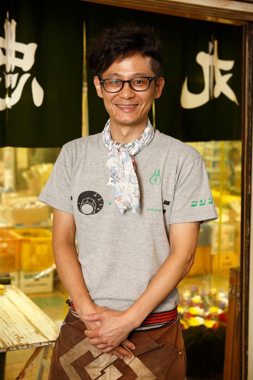 店長の西村浩志さんは大の燗酒党。