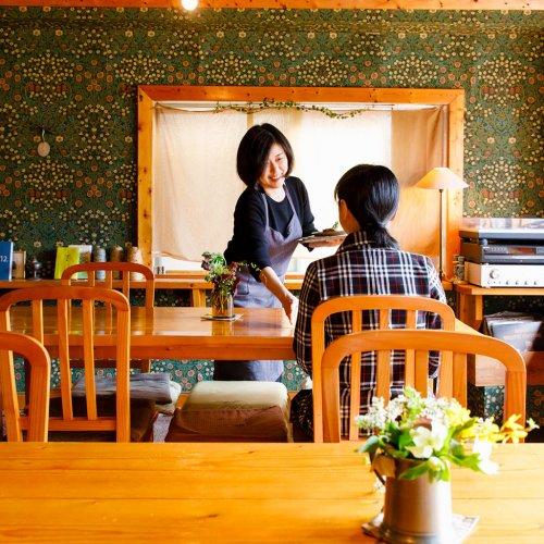 文化を味わう、池袋の心地よい隠れ家カフェ。