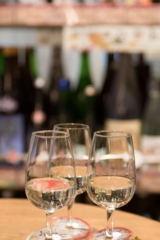 日本酒と焼酎が各200種、ワイン300種と品ぞろえも充実。