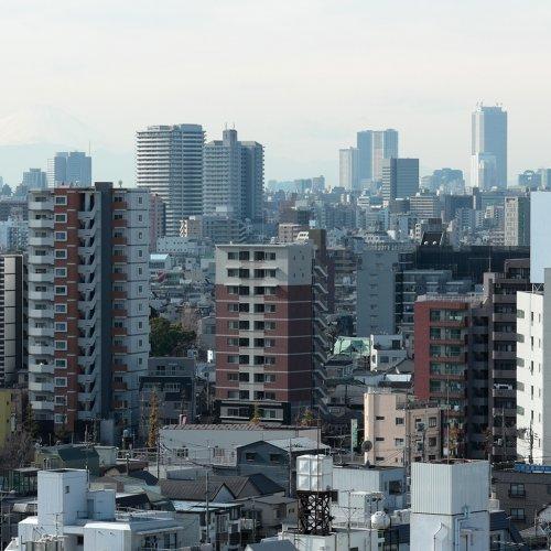 ザ・ポリス×70年代浅草線、ビースティズ×新宿・新橋。洋楽MVが映した日本を眺める