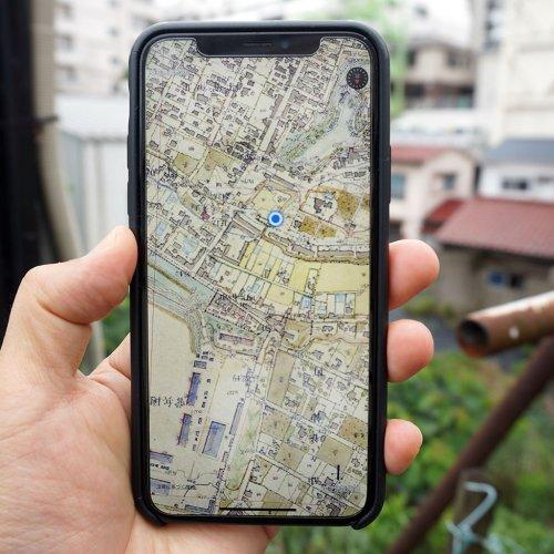 明治~現代の地図を見られるアプリ「東京時層地図」。荒木町の街歩きでその楽しさを堪能