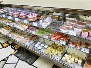 近江屋洋菓子店 ショーウィンドウ