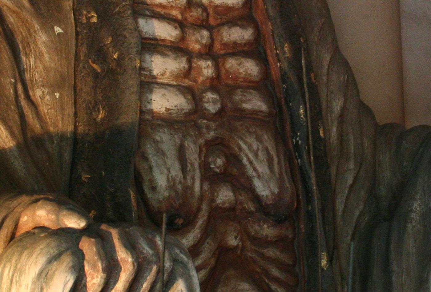 垂れ乳/奪衣婆のトレードマークは、あらわな垂れ乳。まるで子育ての勲章。