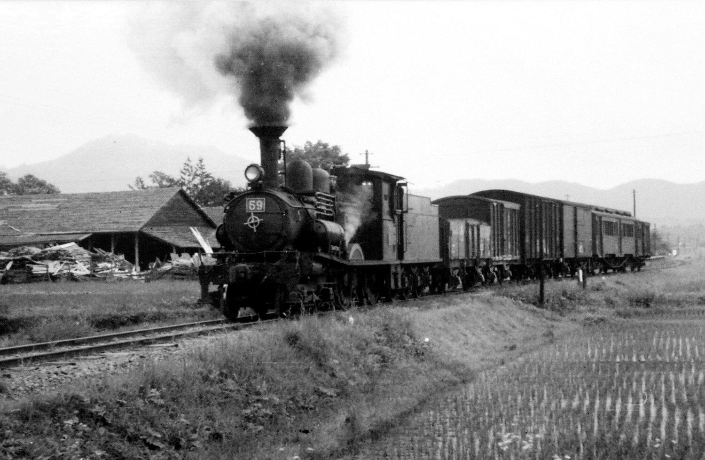 廃止された1959年6月30日に船生駅付近で撮影。(写真提供=斎藤順)
