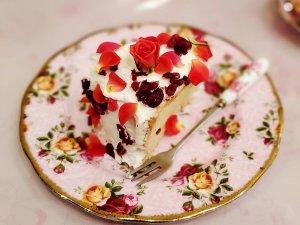 アコリット 薔薇のシフォンケーキ