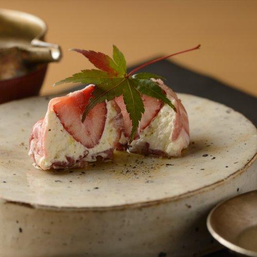 新たな魅力が開花する、日本酒の肴の新定番に挑戦。感動のペアリングに出合える店