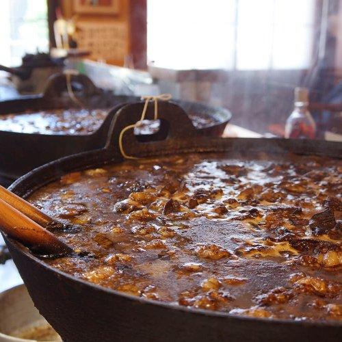森下『山利喜』~継ぎ足し続けられる煮込み大鍋に、フレンチの隠し味~