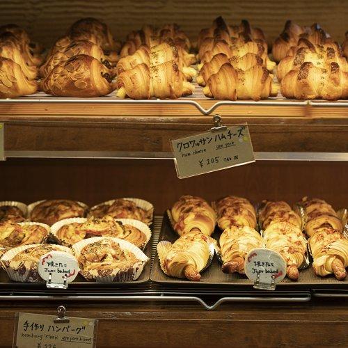 朝はパンに限るのだ! 漂う焼きたての香りで幸せをチャージできるパン屋さん4選【朝を歩こう】
