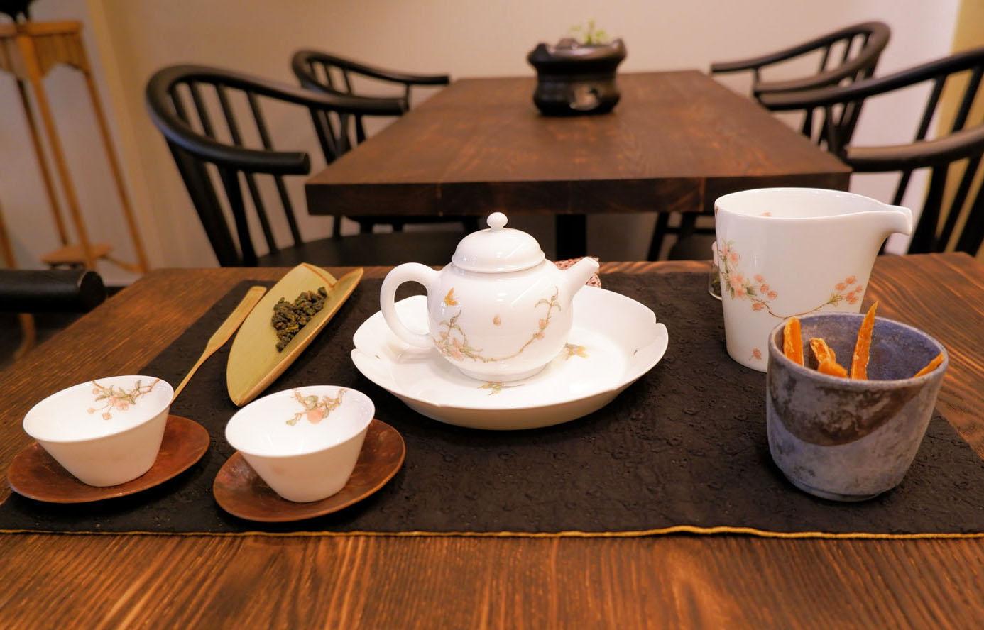 席茶(シーチャ)急須セット1628円~。
