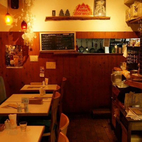 ひそかに人が集まる荻窪の隠れ家『CAFFE STRADA』は、カフェと洋食屋の交差点