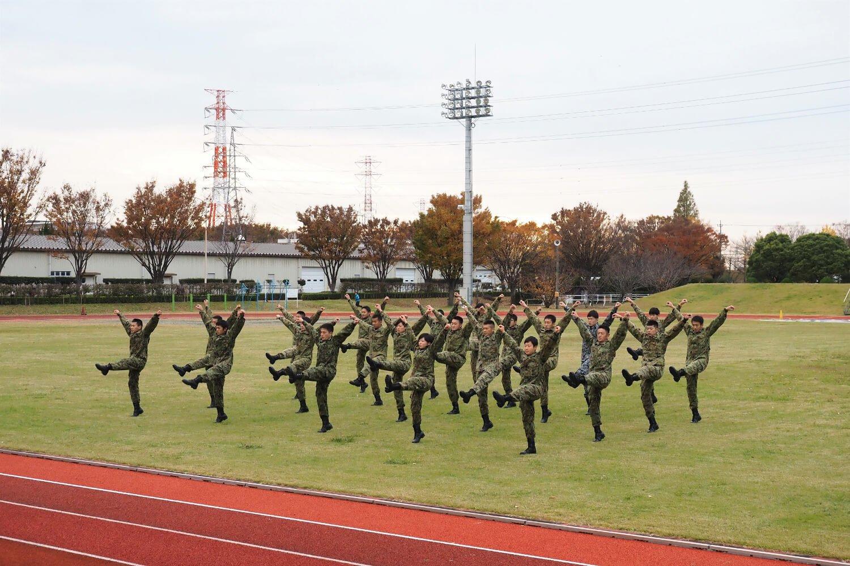 自衛隊体操は毎朝8:00ごろから実施。記念行事の催しで披露することも。(提供=陸上自衛隊)