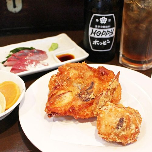 独り占めしたい。蒲田のランドマーク酒場『鳥万 本店』の若鶏から揚げにかぶりつく