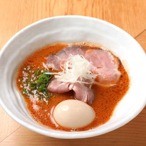 フレンチの技法を駆使したラーメンを、赤羽『麺や さい門』で味わう