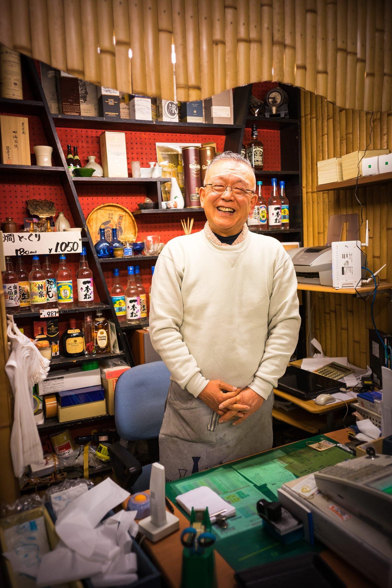 「飲み手の感性で選んでみてください」店主の石丸弁二郎さん。