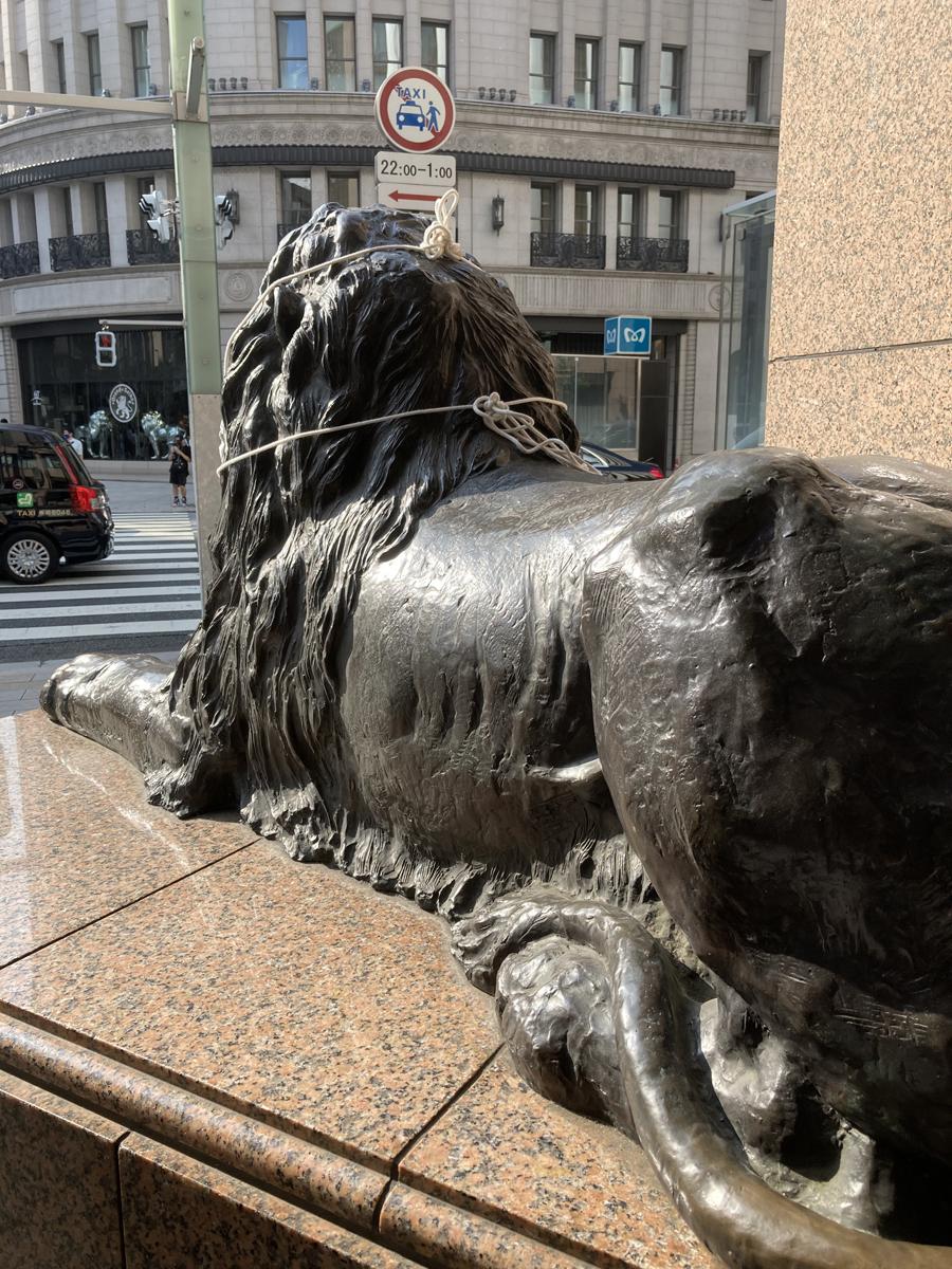 三越ライオンの後ろ姿(銀座)