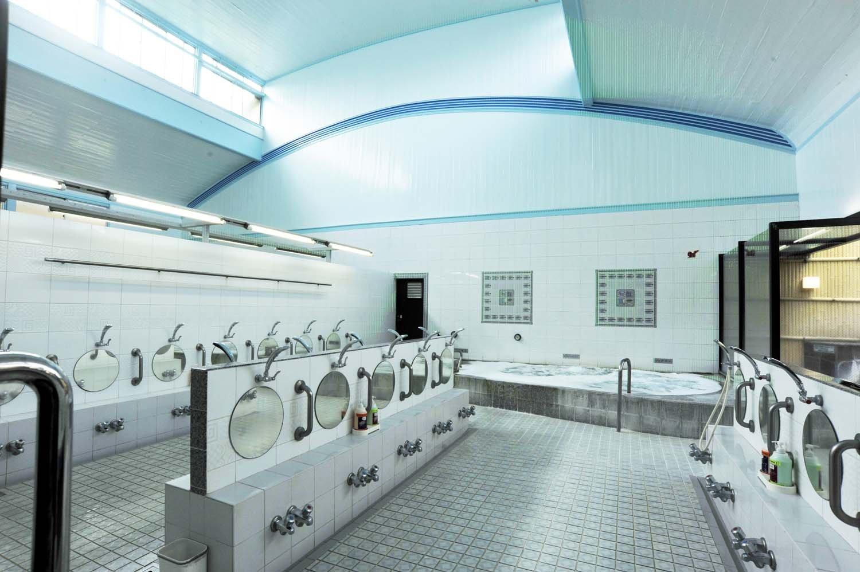 浴室にはリンスインシャンプーとボディーソープが備え付けてある。