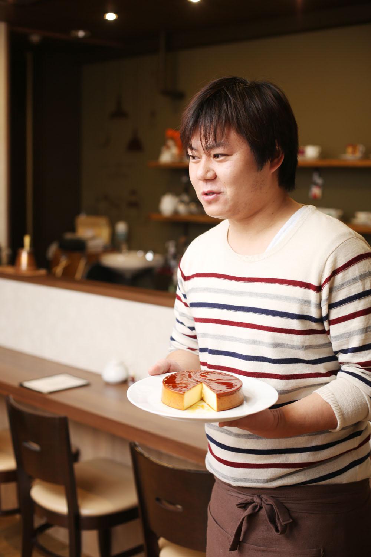 店主の前田真吾さん。