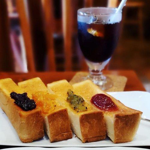 マスターの笑顔とジャムセッショントーストに癒やされる老舗喫茶店『COFFEE WORK SHOP Shanty』~黒猫ス...