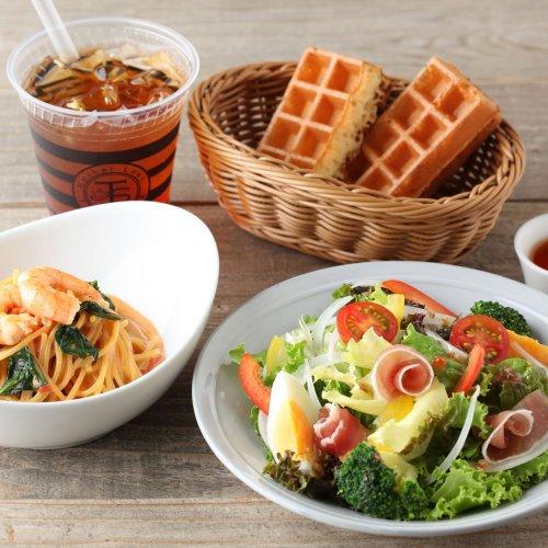 忙しい日常の中でちょっとひと息、お茶したい。ティー&コーヒーカフェ 大崎『Mother Leaf Tea Style』