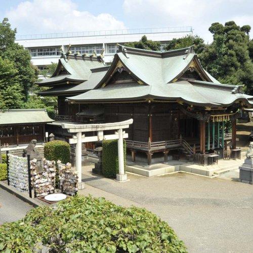 足を伸ばして立ち寄りたい。地域との結び付きが強い赤羽の神社・寺院。