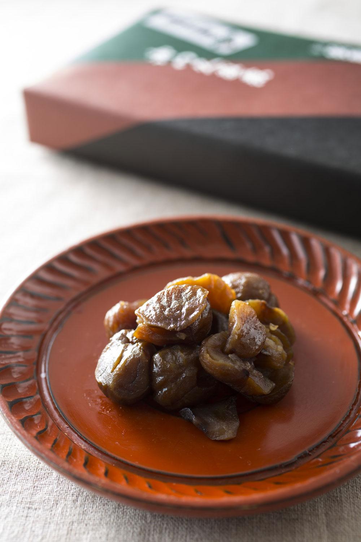 甘栗煮、1パック150g入り443円。賞味期限は冷蔵で15日。