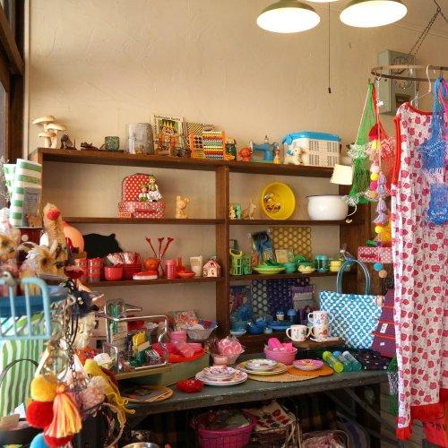 西荻で世界の雑貨が混ざり合う、おもちゃ箱のような雑貨店兼美容室『salon+atelier polka』