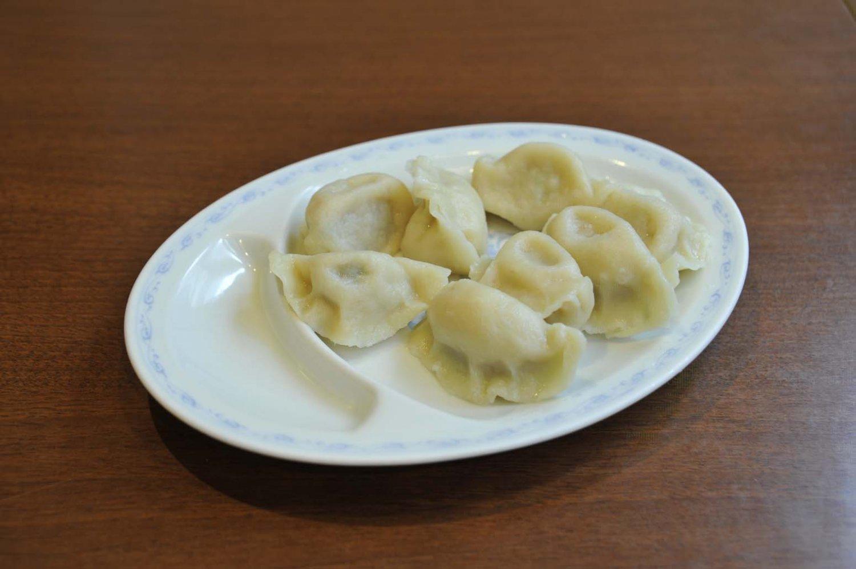 山東省の味を再現した水餃子。餡をよく練ることによってジューシーさが出るという。