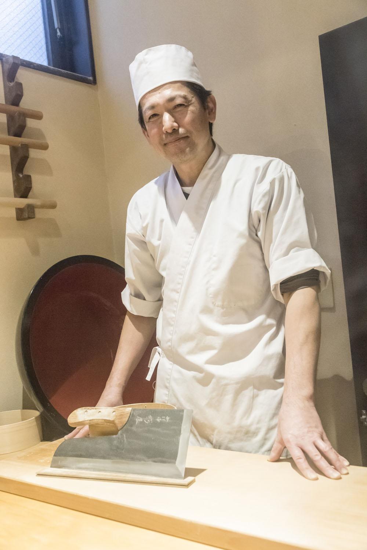 和やかな店主の笹井伸一郎さん。