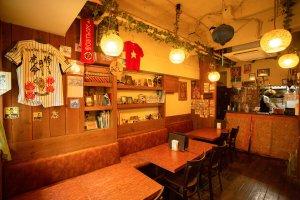 スパ麺パンチマハル店内