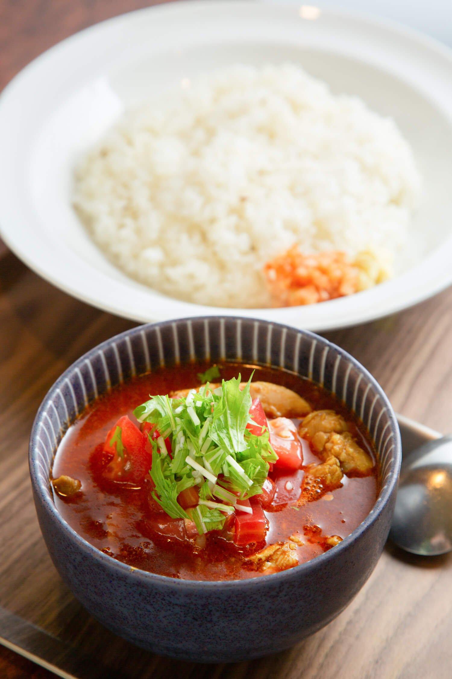 スパ麺パンチマハル料理サブ