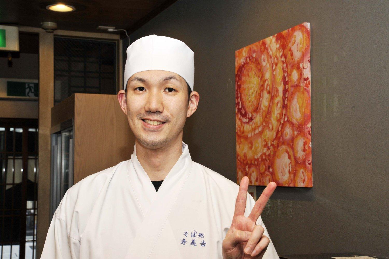 酒や料理に力を入れるスタイルは、「当初は父に反対されましたが、今では認めてくれているようです」と話す吉田大祐さん。