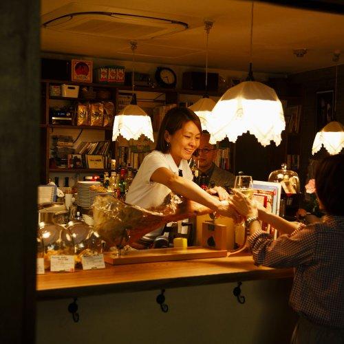 井の頭線沿いの立ち飲みは、国際色豊か。酒と人に出合う喜び多き、珠玉の4店。
