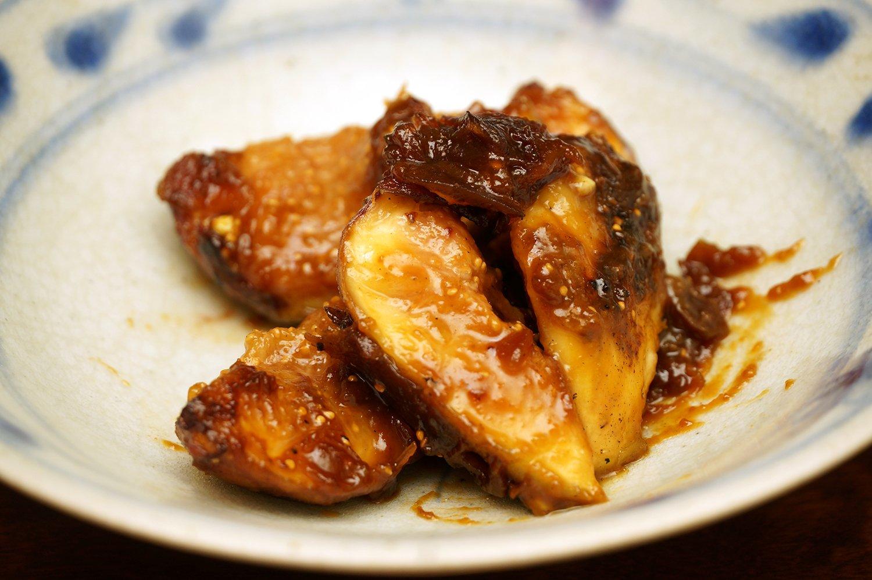 いちぢくのみそ焼き600円。みそは2時間かけて作るそば味噌だ。
