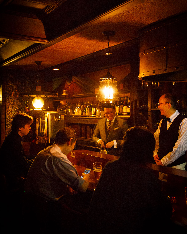 Albion's-Bar01