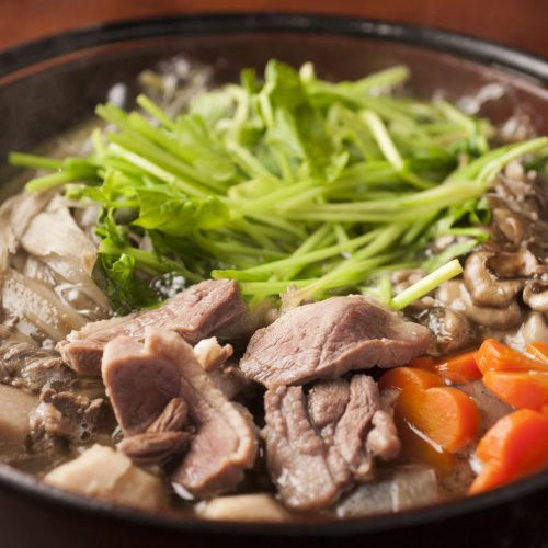 野趣あふれる究極の肉鍋! 東京で食べるジビエ鍋がアツい