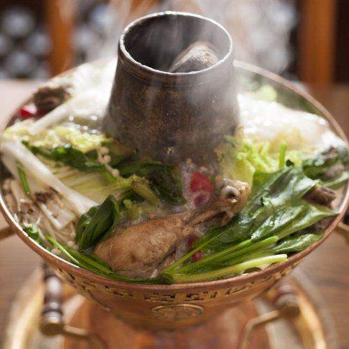 扉を開ければ異国の香り。韓国、マレーシア、ポルトガルにチベット&ネパールの未知なる世界の鍋
