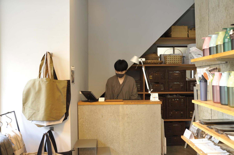 経理から、いつしか店を任せられる存在になった高橋店長。
