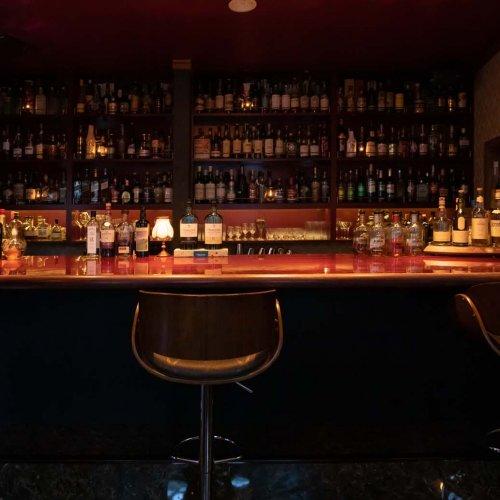 北区唯一のシガーバー。赤羽の洋館2階に潜む『bar RR』