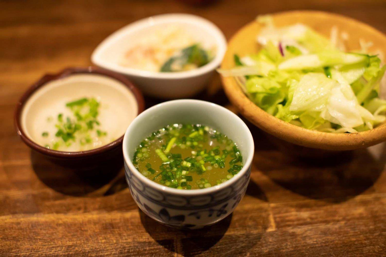 品質が高いことを証明してくれる鳥の旨味が凝縮されたスープ。