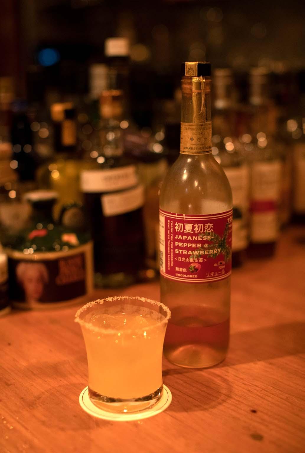 初夏初恋のソルティドッグ1200円。グラスを縁取る塩も美しい。