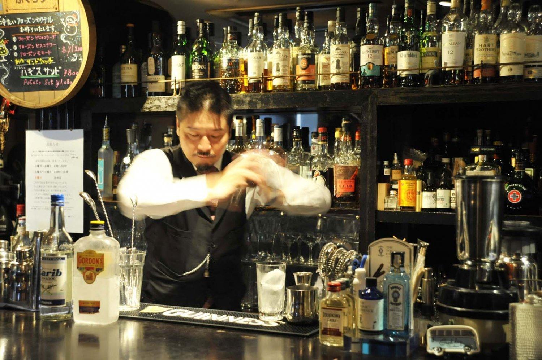 カクテルの種類も多い。梅澤さんと相談しながら、好みに合う酒やカクテルを探すのも楽しみの一つ。
