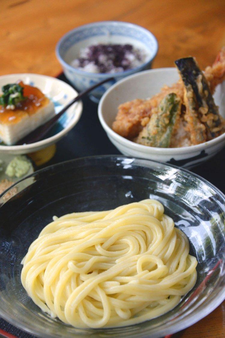 柚子の郷製麺おたか本店
