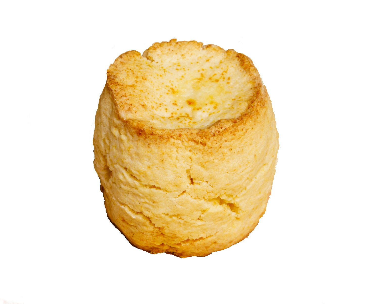 よつ葉発酵バター プレーンスコーン 320円/バターは多め、水分量はギリギリまで少なくし、ざくざく食感を出した。噛みしめるとほのかに香ばしさが表れる。