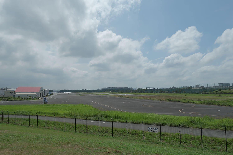 調布飛行場を北側から見る。