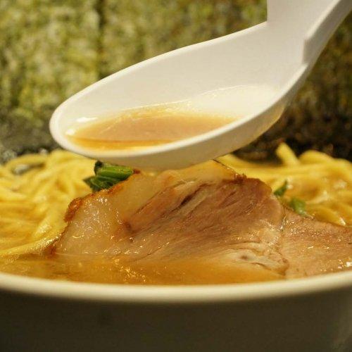 清澄白河『ラーメン吉田屋』で、正統派濃厚豚骨醤油スープを堪能せよ!