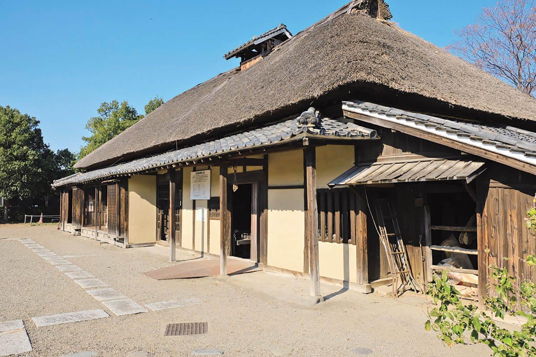 埼玉県幸手市から古墳公園内に移築された旧遠藤家の住宅。江戸時代末期に建てられた稲作農家。