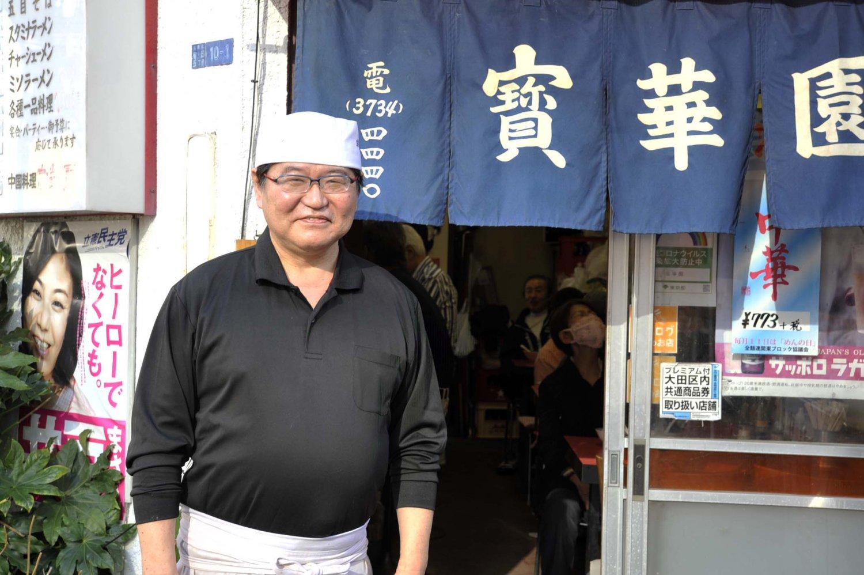 中華料理ひと筋に歩んできた清水さん。先代のレシピを守る一方で、オリジナリティのある料理にも挑戦する。