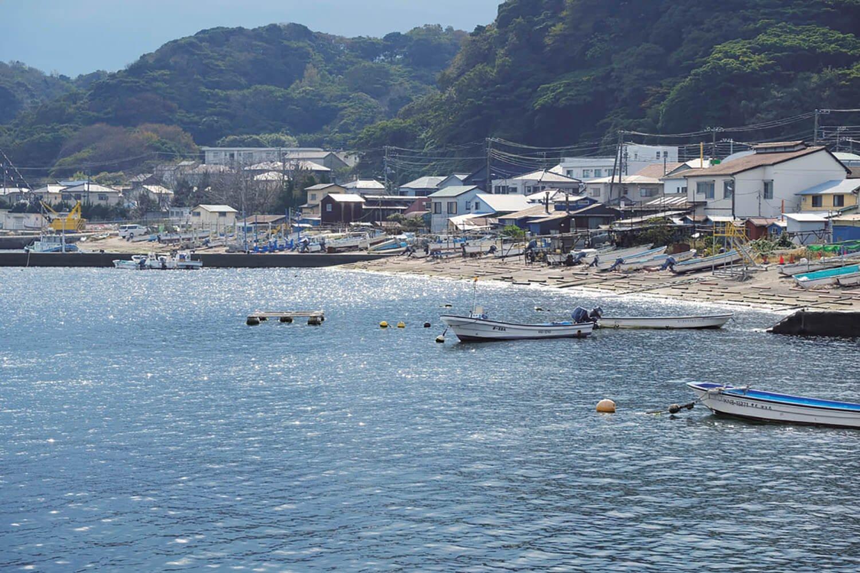 走水港。港周辺は釣りのメッカ。防衛大学の走水海上訓練場もある。