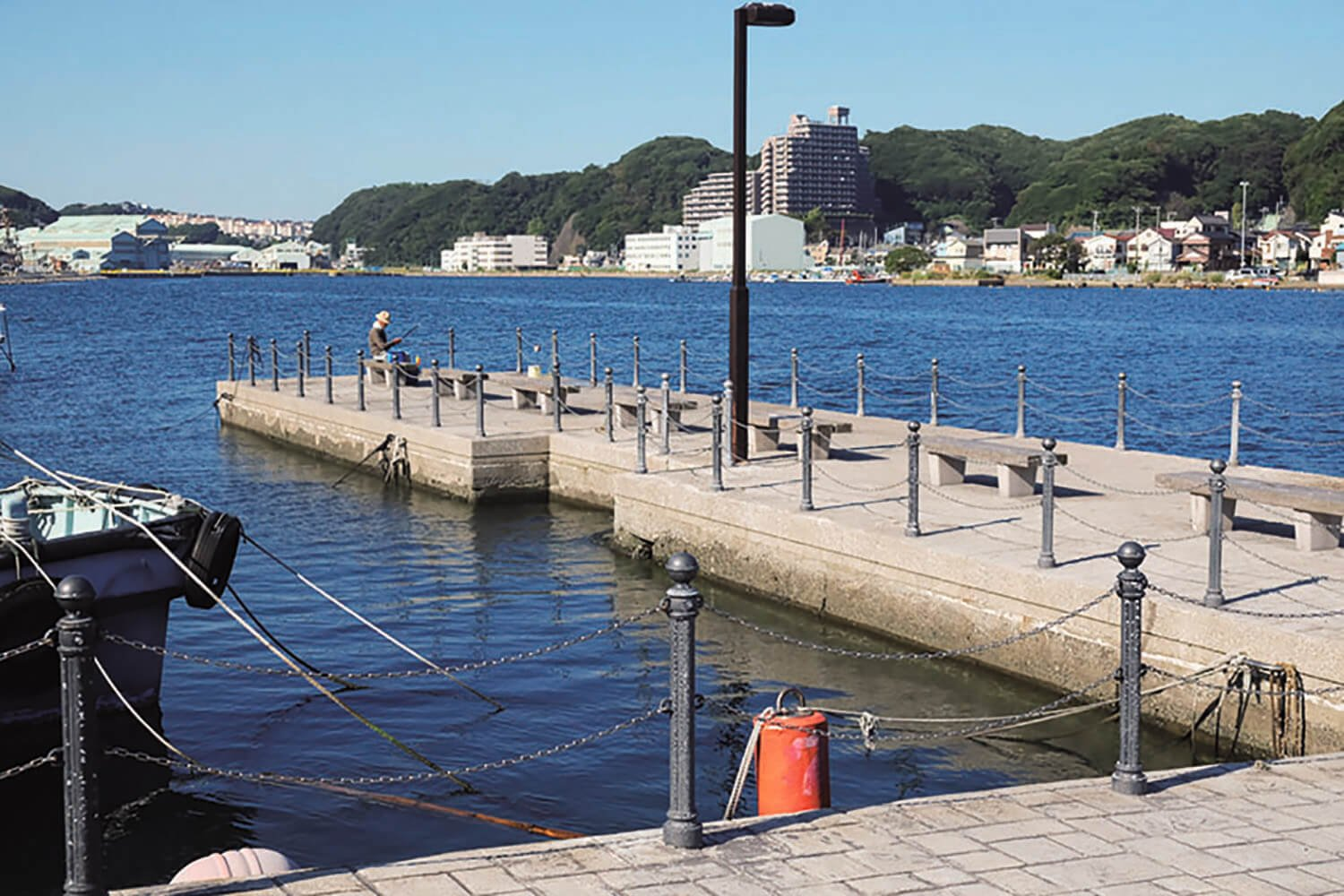 浦賀港の西側にある通称、陸軍桟橋。終戦後、南方や中国からの引揚者、約56万人がここから上陸した。