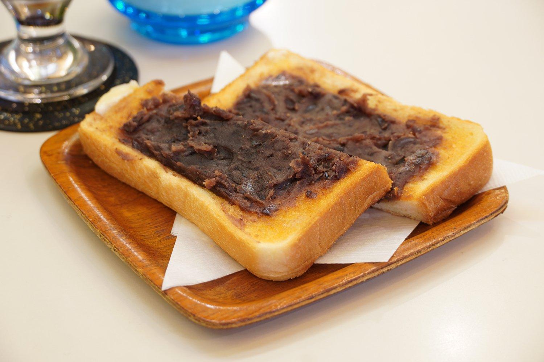 小倉トースト250円。軽食やおやつにもぴったり。